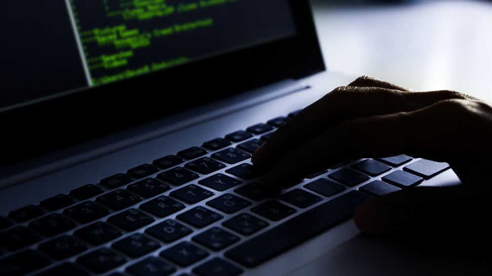 Wirusy komputerowe atakują lotniska