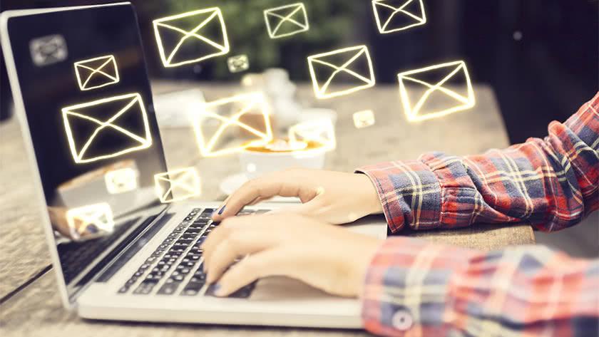 Listy adresów e-mailowych wciąż widoczne w sieci